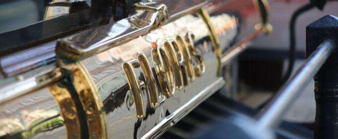 Metal Polishing for Vehicles thumbnail